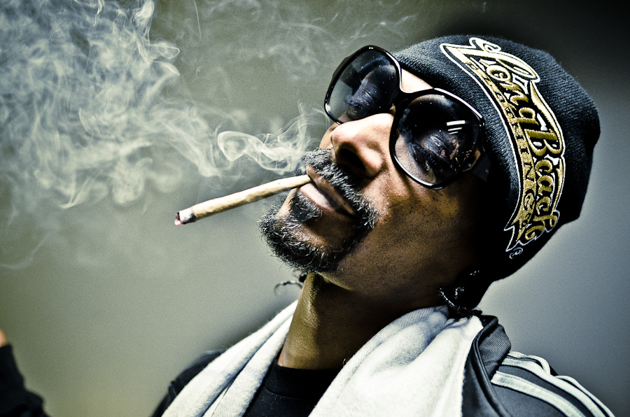 Getting High With Snoop Dogg - THE EXPEDITIONIST